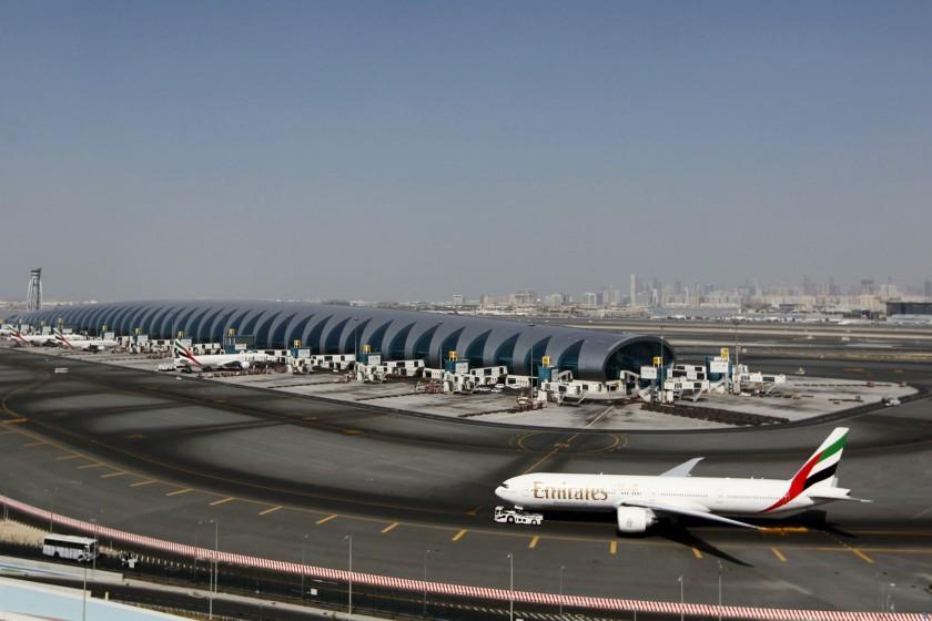 فرودگاه دبی همچنان پر تردد