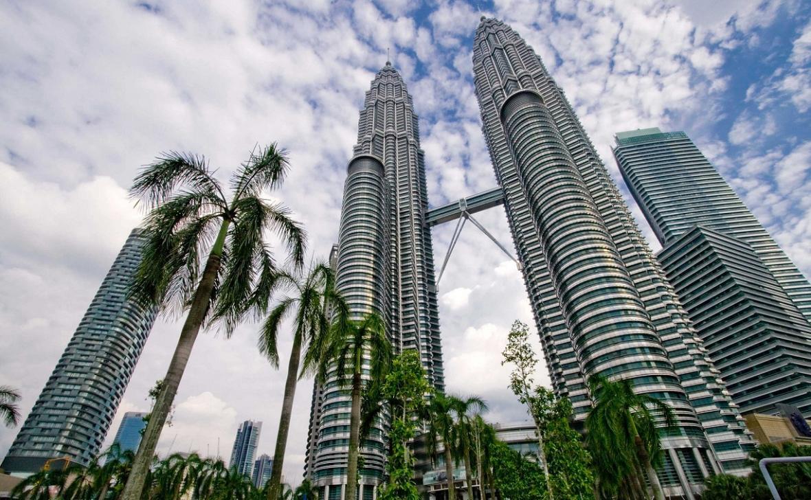 معرفی برج های دوقلوی پتروناس کوالالامپور در تور مالزی