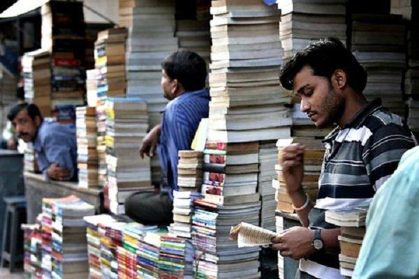 کتاب های تجاری چگونه در هند پرفروش می شوند؟