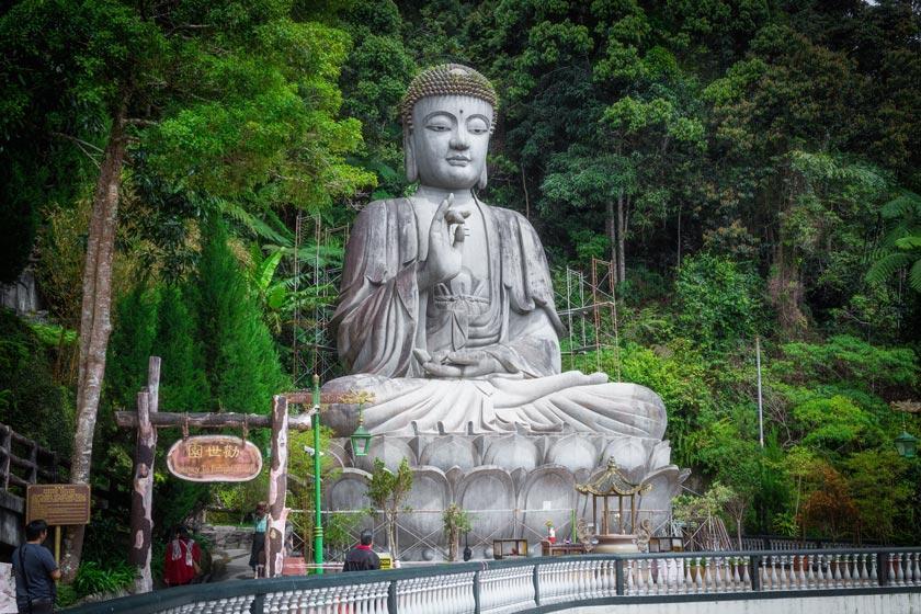 بزرگترین مجسمه بودای نشسته جهان در گنتینگ مالزی