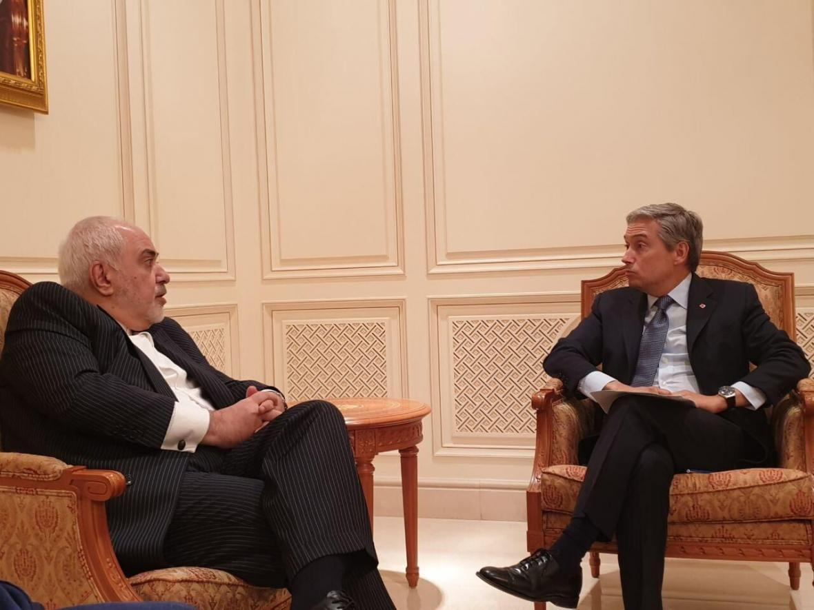 خبرنگاران وزیران امور خارجه ایران و کانادا ملاقات و گفت وگو کردند