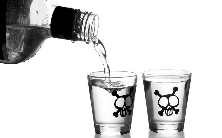خبرنگاران مسمومیت با الکل موجب مرگ چهار نفر در مرودشت شد
