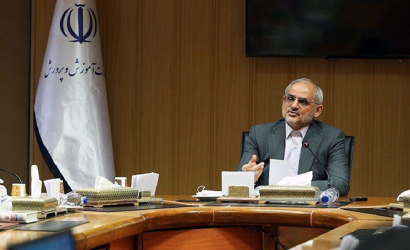 خبرنگاران دولت با ارائه بسته های حمایتی به مدارس غیردولتی موافقت کرد