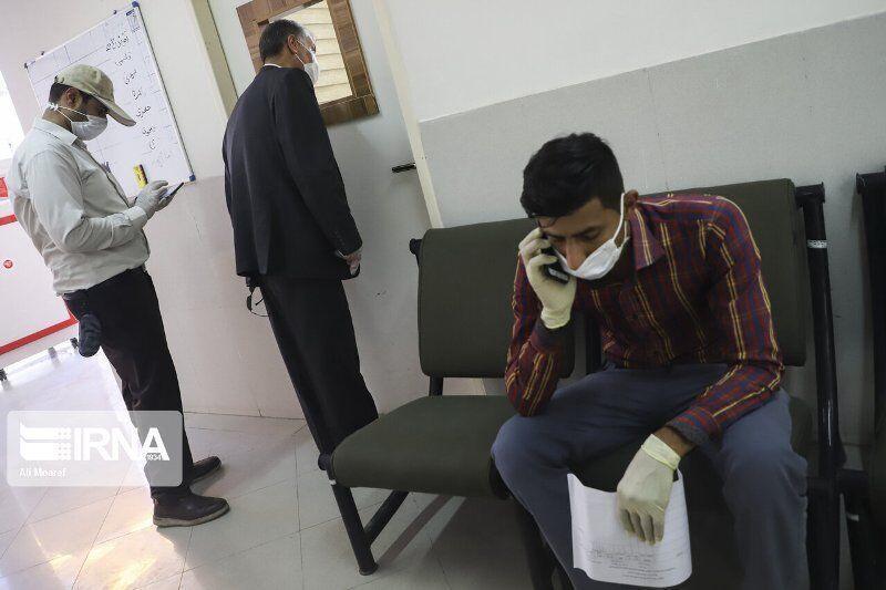 خبرنگاران ورود افراد بدون ماسک به اداره های لارستان ممنوع شد