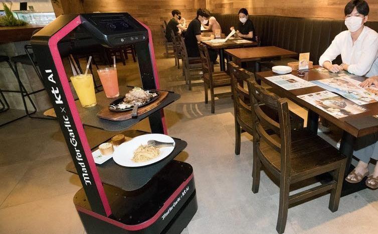 روبات خدماتی در رستوران های کره مستقر می شود