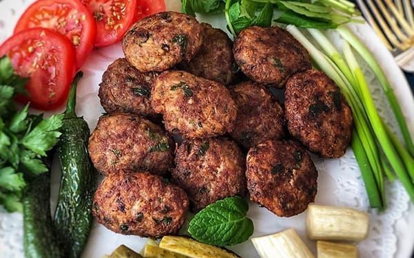 طرز تهیه کتلت گوشت و قارچ