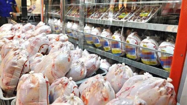 خبرنگاران 55 تُن مرغ گرم وارد بازار قم شد