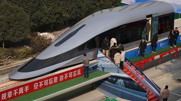 شروع به کار سریع ترین قطار دنیا در چین ، 30 کیلومتر در 7 و نیم دقیقه!