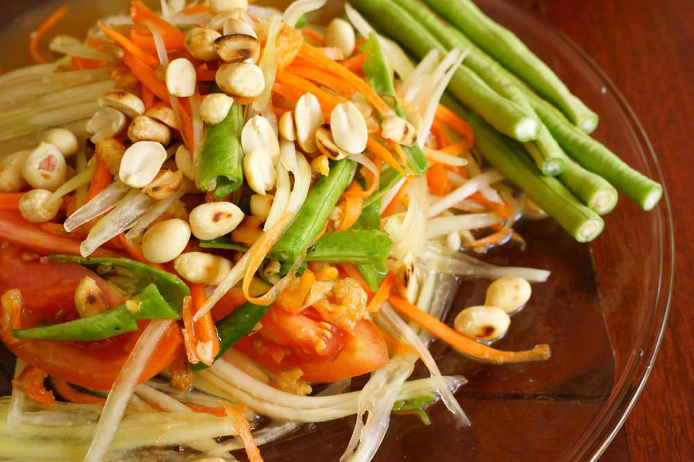 تجربه طعم غذاهای خیابانی چیانگ مای