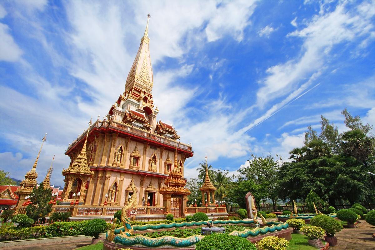 آشنایی با معبد چالونگ پوکت